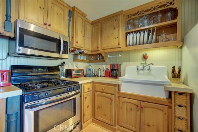 9320 Bass Road, Kelseyville CA: http://media.crmls.org/medias/39fe0261-0379-4c17-be93-b0203a668f0e.jpg