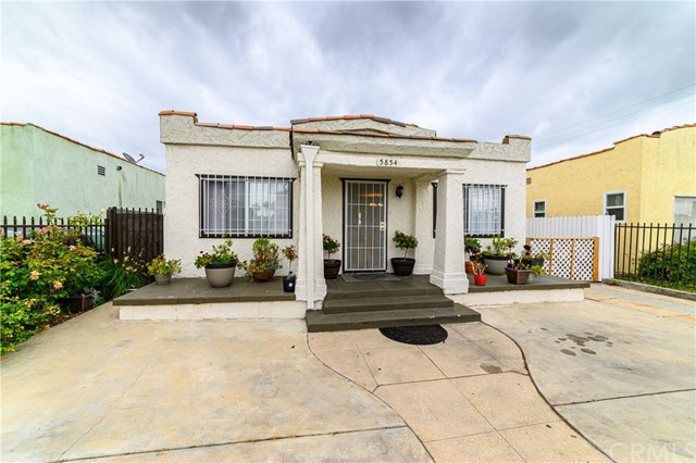 5854 2nd Ave, Los Angeles, CA 90043