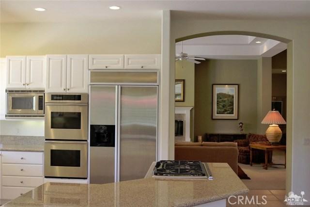 5 Varsity Circle, Rancho Mirage CA: http://media.crmls.org/medias/3a1c65e4-a60e-4128-882e-b796edeeb32e.jpg