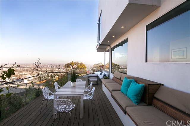 1500 Viewsite Ter, Los Angeles, CA 90069 Photo 12