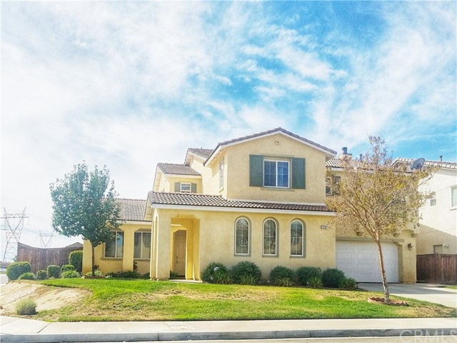 12317 Bayou Place, Victorville CA: http://media.crmls.org/medias/3a3ba11e-98ac-4c7b-a4ea-c2ee21e7ded7.jpg