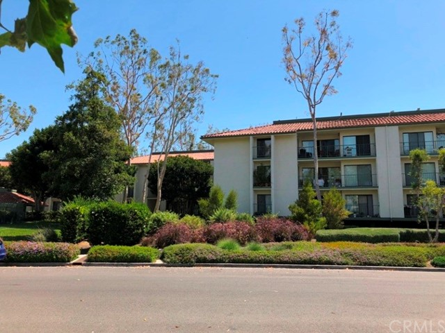 4314 Apricot Drive, Irvine CA: http://media.crmls.org/medias/3a498778-3885-4ba4-a353-dae0154ba012.jpg