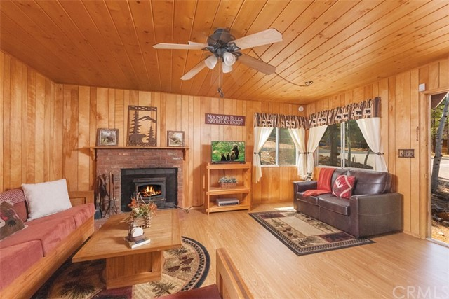 641 Sugarloaf Boulevard Big Bear, CA 92314 - MLS #: EV18085462