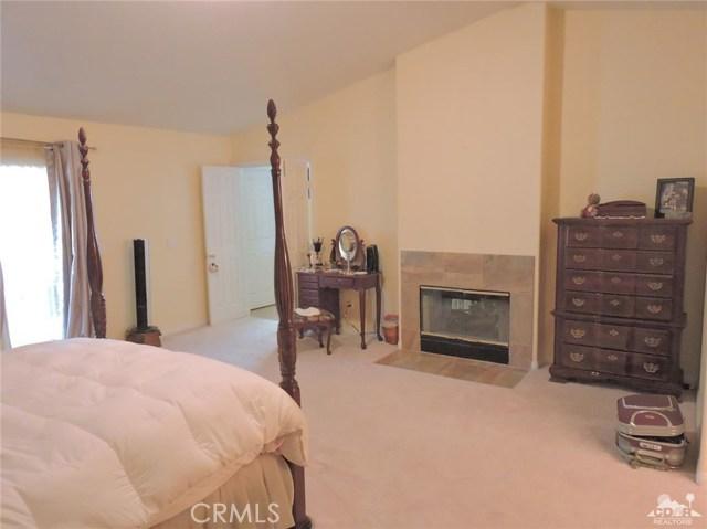 57130 Selecta Avenue, Yucca Valley CA: http://media.crmls.org/medias/3a55b5cf-6a4a-4d50-92d4-e3e8d063cde4.jpg