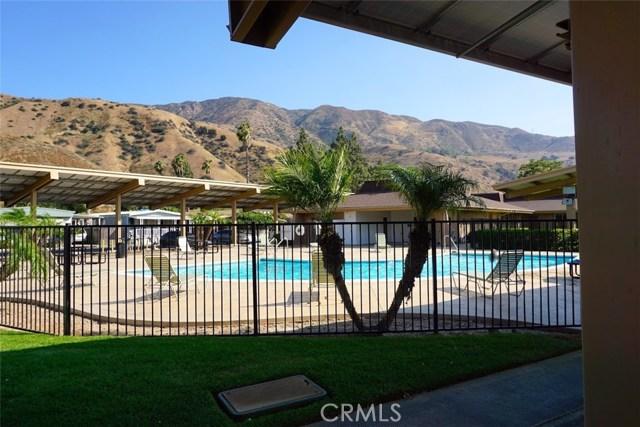 4901 Green River Road, Corona CA: http://media.crmls.org/medias/3a59baca-7bb4-4bfc-ad2c-ce9aa0f0ac3f.jpg