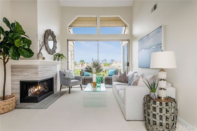 Detail Gallery Image 1 of 1 For 20301 Bluffside Cir #411,  Huntington Beach,  CA 92646 - 2 Beds | 2 Baths