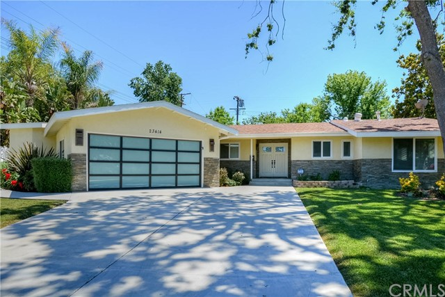 Photo of 23414 Clarendon Street, Woodland Hills, CA 91367