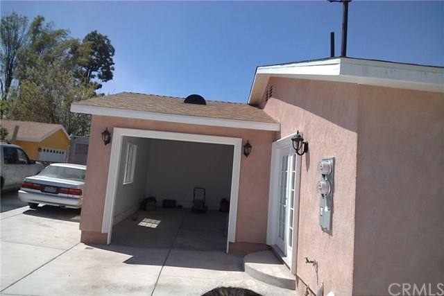 11656 215, Lakewood CA: http://media.crmls.org/medias/3a734501-1b5e-4b41-bc65-2114580f4c2f.jpg
