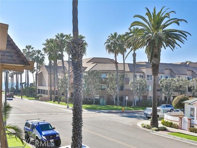 210 12th Street, Huntington Beach CA: http://media.crmls.org/medias/3a7947ef-290d-469b-b5b4-ff93baab3a55.jpg
