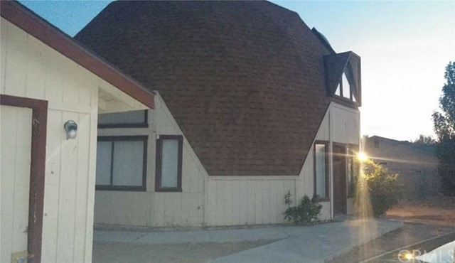 22677 South Road, Apple Valley, CA, 92307