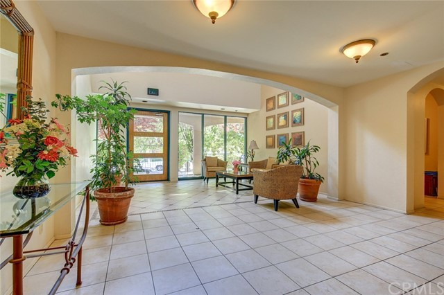 4200 Via Arbolada # 206 Los Angeles, CA 90042 - MLS #: WS17152403