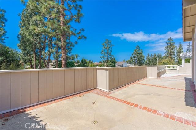 9 Rue Valbonne, Newport Beach CA: http://media.crmls.org/medias/3a9b8c67-e3a6-4ae4-8a67-6d2d0c17dea9.jpg