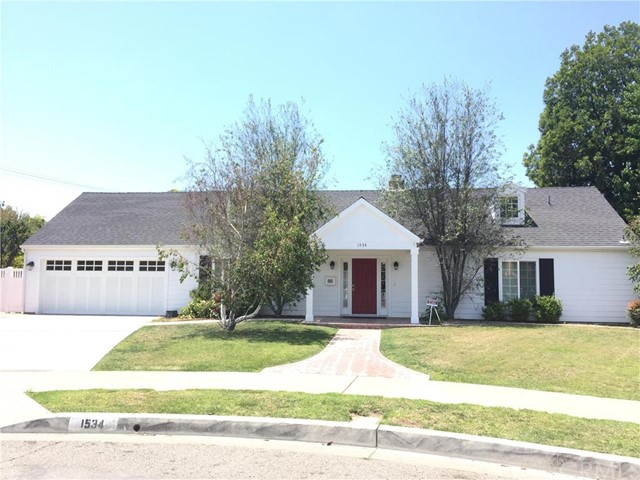 1534 Young Circle, Orange, CA, 92866