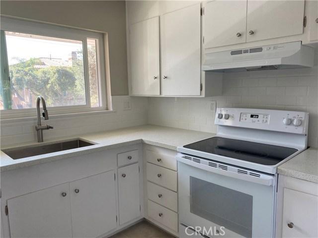 1745 Maple Avenue, Torrance CA: http://media.crmls.org/medias/3aa3eb50-15fe-4d96-8641-b5545b2cebaf.jpg