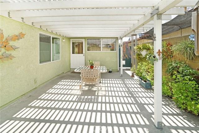 12363 Creekwood Avenue, Cerritos CA: http://media.crmls.org/medias/3aa9be7e-72ae-400f-9dcc-50e3999d15bb.jpg