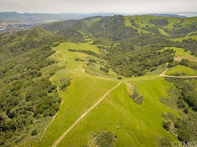 1990 Sycamore Canyon, San Luis Obispo CA: http://media.crmls.org/medias/3ab368a0-cb53-47ce-b2c0-738326fddef7.jpg