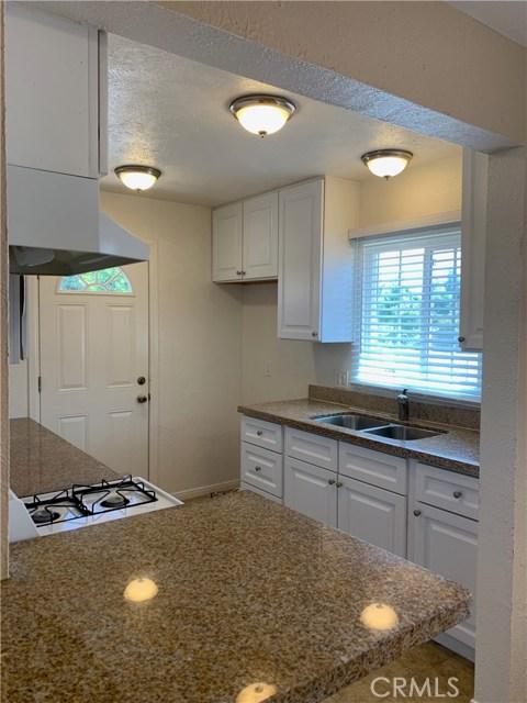 1035 Laurel Avenue, Pomona CA: http://media.crmls.org/medias/3abacb1c-876f-40c0-8eb0-e0188bd5ba92.jpg