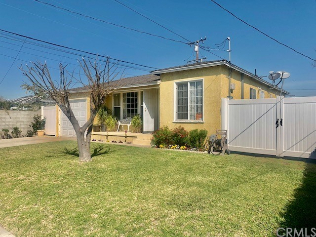 Detail Gallery Image 1 of 32 For 935 W Poplar St, Compton,  CA 90220 - 3 Beds | 1 Baths