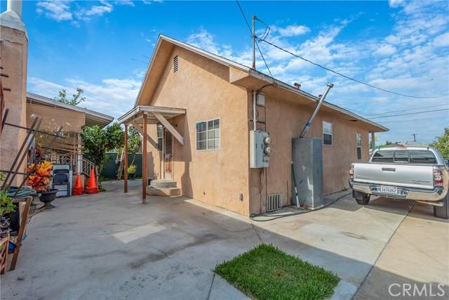 1052 S Townsend Avenue, East Los Angeles CA: http://media.crmls.org/medias/3abee9bc-5d6c-4dfc-bd3c-ba35fd1fd178.jpg