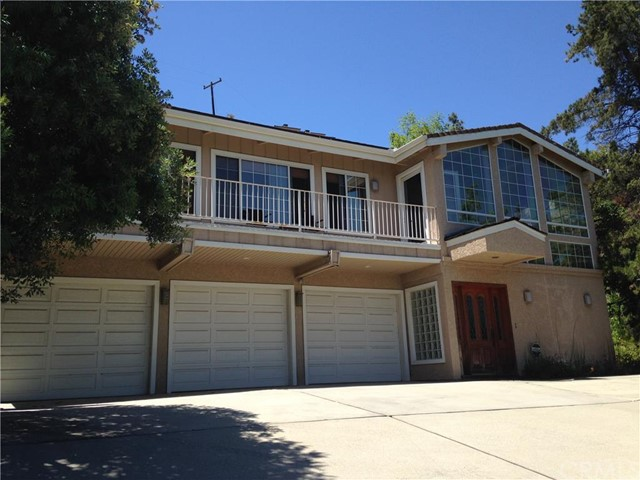 Single Family Home for Rent at 12551 Circula Panorama St Santa Ana, California 92705 United States