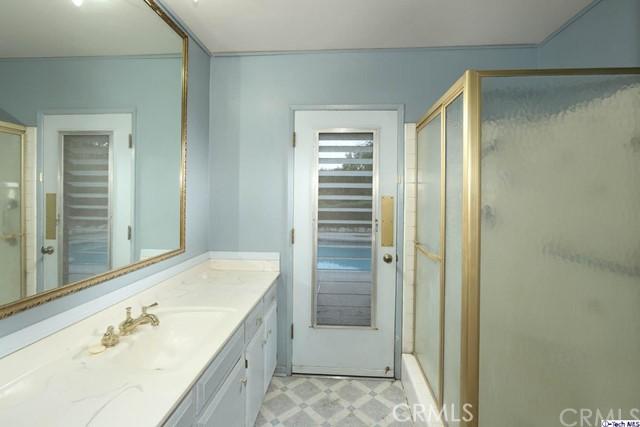 17622 Arvida Drive, Granada Hills CA: http://media.crmls.org/medias/3aee4d68-05cf-4a30-a24c-4cbeec2516d9.jpg
