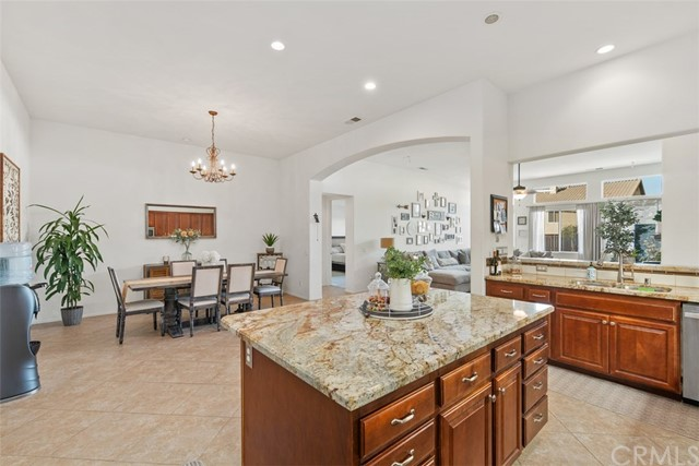 31590 Waterfall Way, Murrieta CA: http://media.crmls.org/medias/3af1d4e6-0d4e-4735-9f5f-61a295772100.jpg