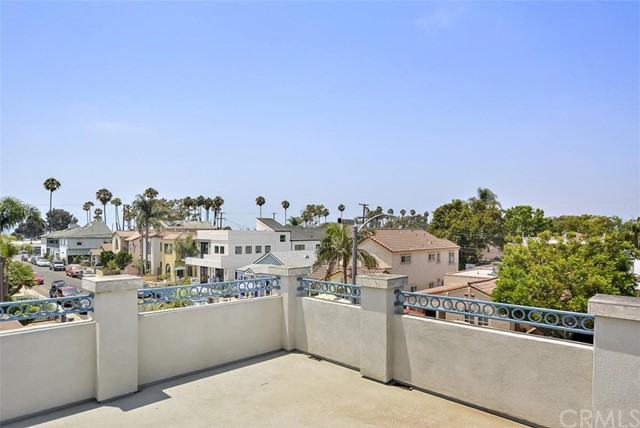 62 Saint Joseph Avenue, Long Beach CA: http://media.crmls.org/medias/3b087da2-265d-4003-885e-5f5e164826dc.jpg