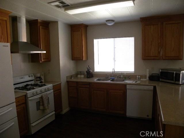 40897 Laredo, Cherry Valley CA: http://media.crmls.org/medias/3b0fb6e9-f5cf-4cf5-95cf-18717efd441e.jpg