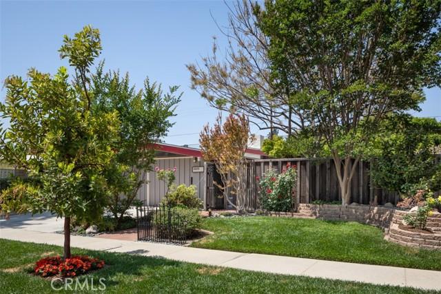 3225 Karen Avenue, Long Beach CA: http://media.crmls.org/medias/3b20ed8a-2966-4ad8-ab3c-09a5dff5dfbc.jpg