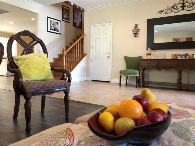 1078 Benedict Circle, Corona CA: http://media.crmls.org/medias/3b479f57-c858-42fc-be94-6fb2d30e4de0.jpg
