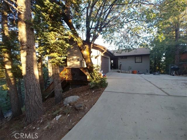 1287 Piney Ridge Place, Fawnskin CA: http://media.crmls.org/medias/3b49cb8c-c9a2-4ec9-9bf5-d35e913f0068.jpg