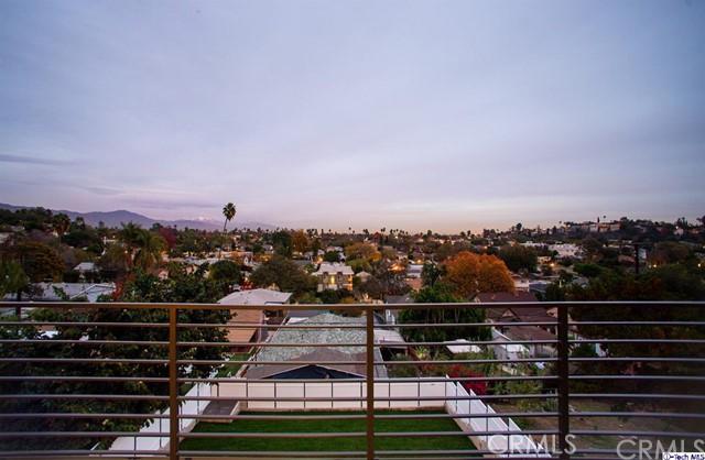 4440 N Stillwell Avenue, El Sereno CA: http://media.crmls.org/medias/3b50cbb5-4eb0-4dad-93af-acf0151cabd0.jpg