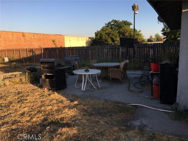 10409 Hemlock Avenue, Fontana CA: http://media.crmls.org/medias/3b561733-0186-4e69-84e8-967e5755ed2a.jpg
