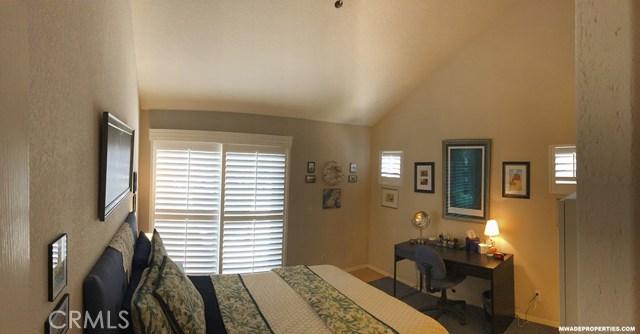 420 Lake Street, Huntington Beach CA: http://media.crmls.org/medias/3b5b4689-63b4-4b33-969c-d3d371489999.jpg
