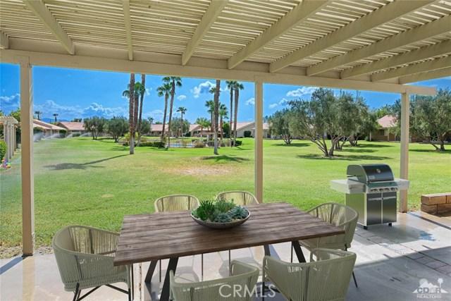 44040 Sundown Crest Drive, La Quinta CA: http://media.crmls.org/medias/3b5cf873-07ba-4c4f-abd4-5d77320570e8.jpg