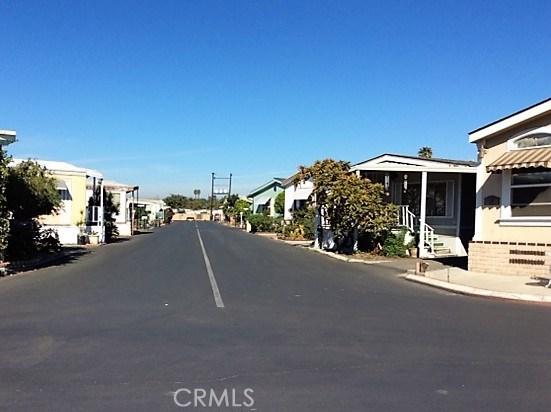 432 S Harbor Boulevard, Santa Ana CA: http://media.crmls.org/medias/3b5f0f66-35e2-4283-8ef4-3a674d6ac756.jpg