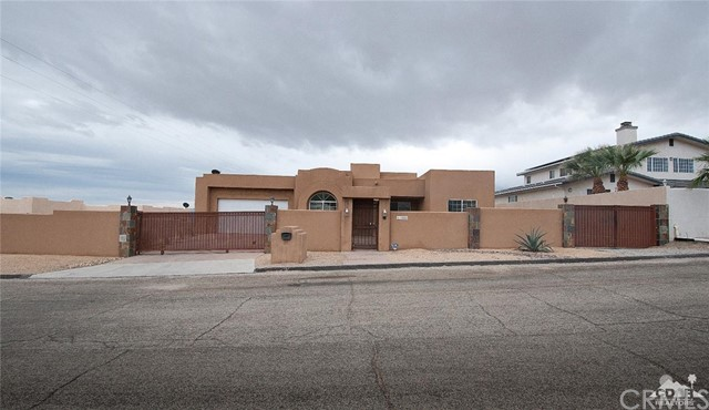 Single Family Home for Sale at 61085 Deronda Avenue 61085 Deronda Avenue Whitewater, California 92282 United States