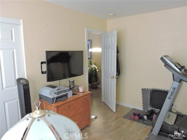 57130 Selecta Avenue, Yucca Valley CA: http://media.crmls.org/medias/3b6b8bf9-4f07-4e48-a953-91f2d368514b.jpg