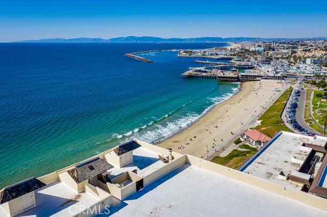531 Esplanade, Redondo Beach CA: http://media.crmls.org/medias/3b792e1e-5155-47b0-a4d4-e8e0e8d1a773.jpg