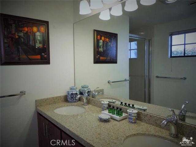 76986 Calle Mazatlan La Quinta, CA 92253 is listed for sale as MLS Listing 215035784DA