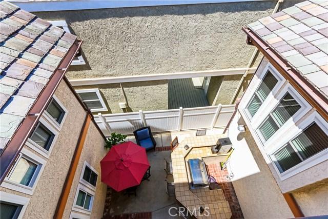 315 21st Street, Huntington Beach CA: http://media.crmls.org/medias/3b988484-f157-4974-be69-ba307a2884ad.jpg