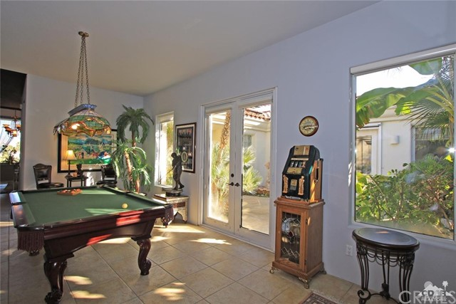 104 Loch Lomond Road, Rancho Mirage CA: http://media.crmls.org/medias/3ba0f8cf-633d-4305-95bc-743baf8c94c9.jpg