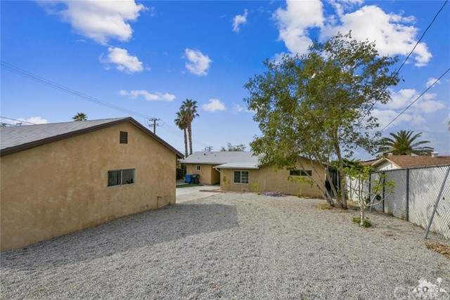 66790 Yucca Drive, Desert Hot Springs CA: http://media.crmls.org/medias/3ba2f282-3ed6-42d4-b746-b37161aaf4b6.jpg