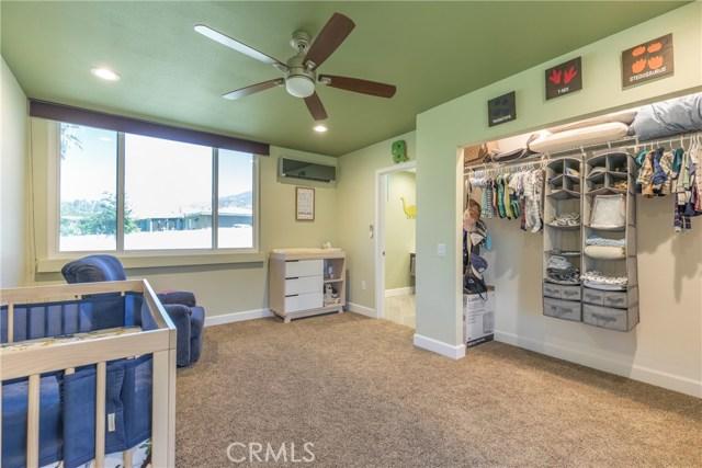 5566 N Mountain View Avenue, San Bernardino CA: http://media.crmls.org/medias/3bb3b2ed-23ba-49c8-ab8f-ac8f184a6fe2.jpg