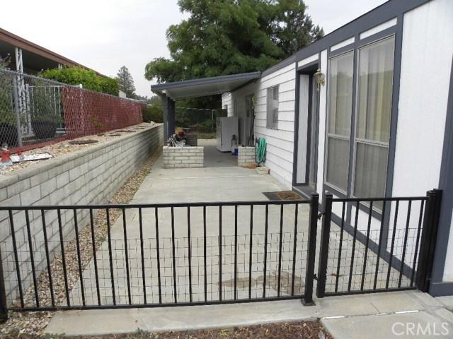 40897 Laredo, Cherry Valley CA: http://media.crmls.org/medias/3bb8beaf-2cc1-482b-9a35-a3424af79c14.jpg