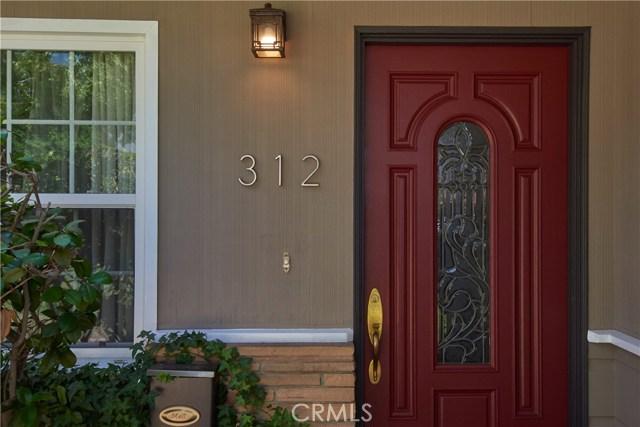 312 E Bonnie Brae Court, Ontario CA: http://media.crmls.org/medias/3bba51f0-a88c-44c2-9a37-3e9026fed411.jpg