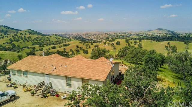 Single Family Home for Sale at 4400 Blue Mountain Road 4400 Blue Mountain Road Bakersfield, California 93287 United States