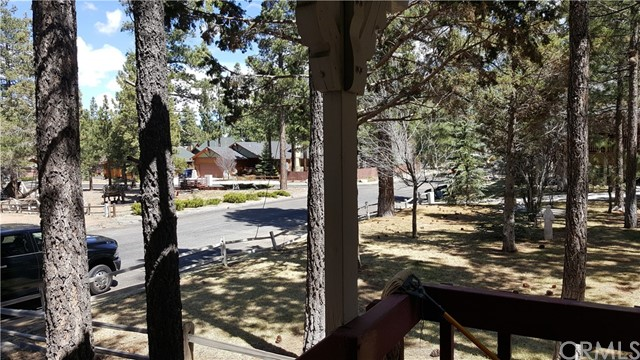430 E Country Club Boulevard Big Bear, CA 92314 - MLS #: PW18101098