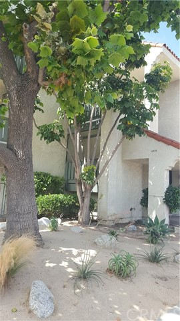 4515 California Avenue, Long Beach CA: http://media.crmls.org/medias/3bf33dd3-5959-464a-8244-8090d06cc671.jpg