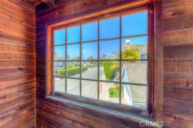 103 E Via Di Roma E Walk, Long Beach CA: http://media.crmls.org/medias/3bf502b4-420a-4901-b9aa-fc2e6c4d95b8.jpg